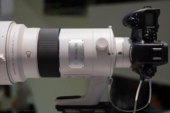 Прототип объектива Samsung S 300mm f/2.8 ED OIS NX показан на выставке Photokina
