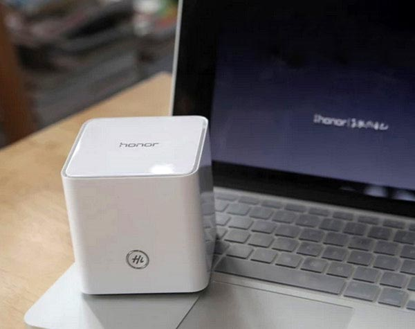 ��������� Huawei Honor WS831 �������� ��� ����� Ethernet 100 ����/� � ���� ���� USB 2.0
