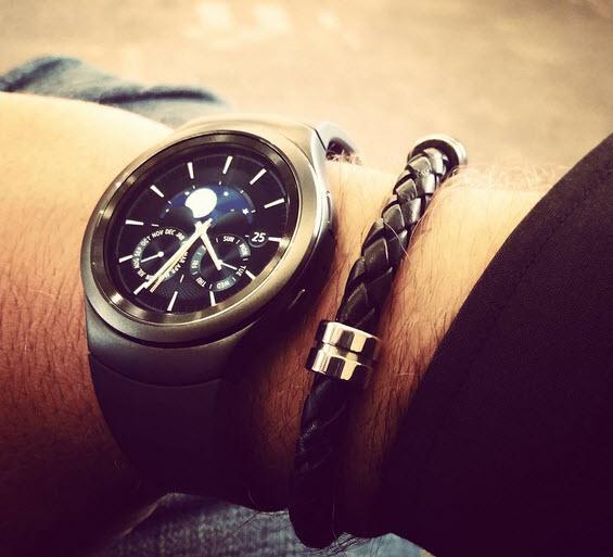 ���� Samsung Gear S2