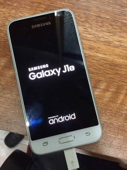 Samsung Galaxy J1 (SM-J120F)