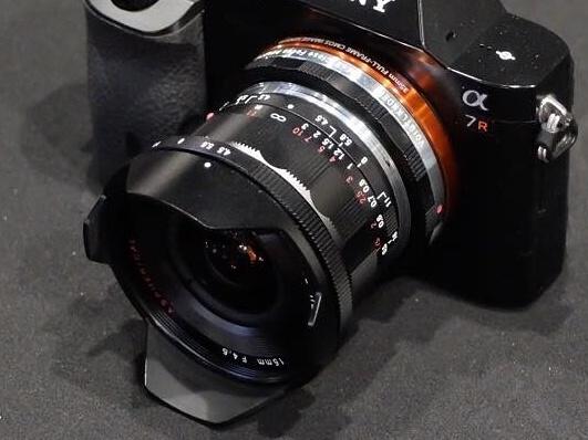 �������� Voigtlander 15mm Heliar III ������� ������������� �� ������ Sony A7r