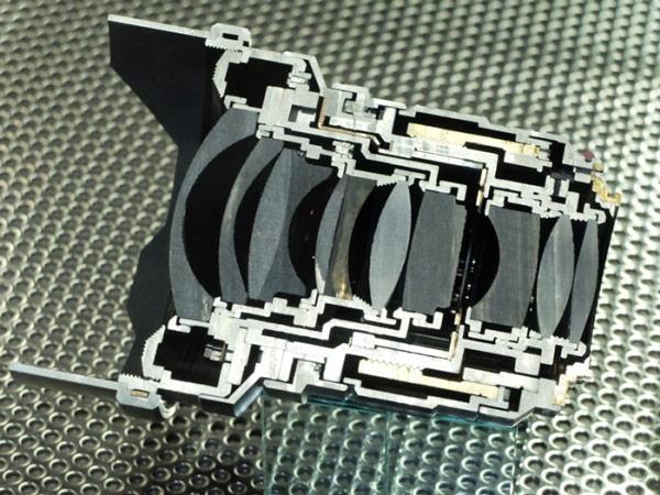 ����� �������� Voigtlander Nokton 10.5mm/F0,95 �������� � ������� � ����������