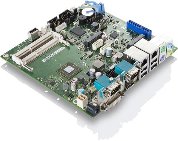 На платах Fujitsu D3313-S4 и D3313-S5 установлены однокристальные системы AMD GX-222GC и AMD GX-412HC соответственно