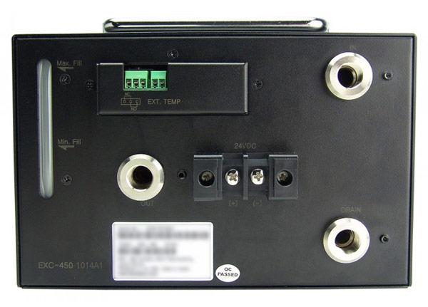 На индикаторе Koolance EXC-450 видна скорость работы помпы и другие показатели работы