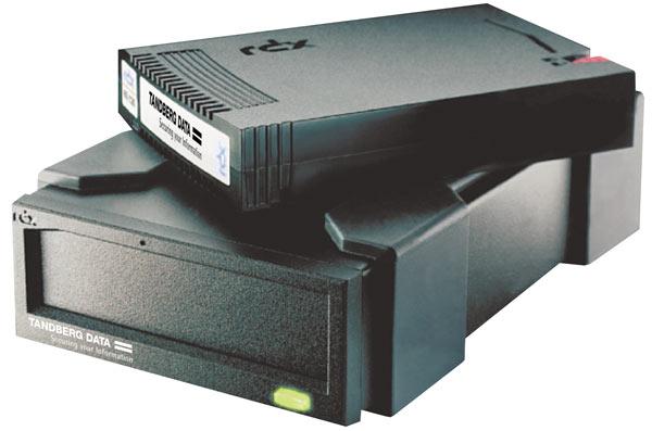 Устройство RDX QuikStor поддерживает сменные носители объемом более 2 ТБ