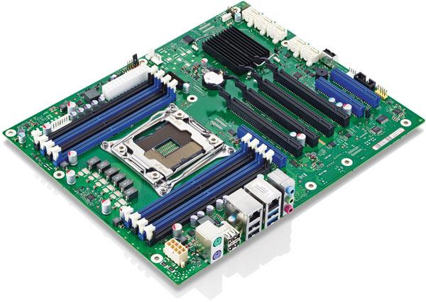 Системная плата Fujitsu D3348-B построена на чипсете Intel C612