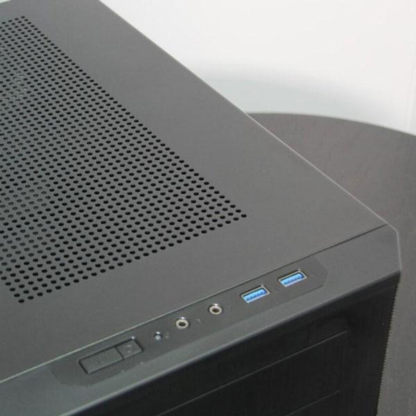 ������ Fractal Design Core 500 ��������� �� ����� ����������� mini-ITX