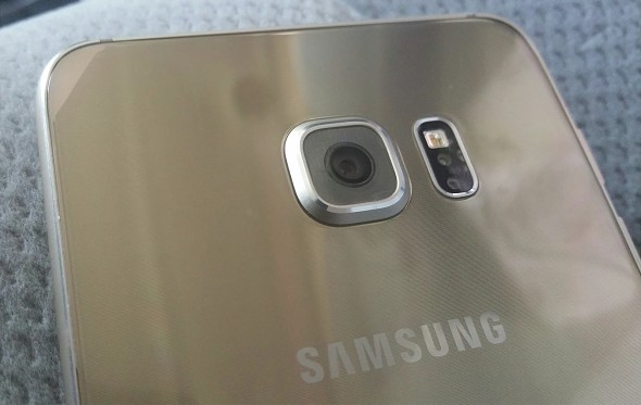 Samsung Galaxy S6 Plus — разновидность модели Galaxy S6 edge с увеличенным экраном