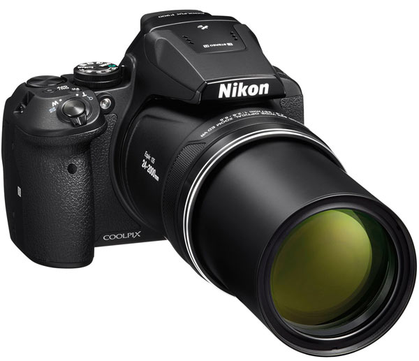 Объектив камеры Nikon Coolpix P900 охватывает диапазон ЭФР 24-2000 мм