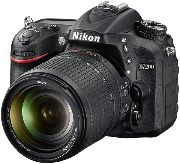 Датчик изображения Nikon D7200 формата APS-C (23,5 х 15,6 мм) имеет разрешение 24,2 Мп