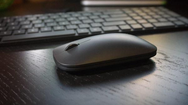 Комплект из клавиатуры и мыши Microsoft Designer Bluetooth Desktop стоит $100
