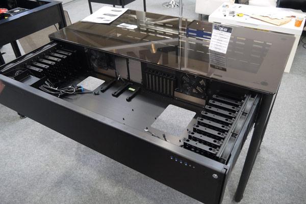 По словам производителя, новый стол будет дешевле Lian Li DK-02