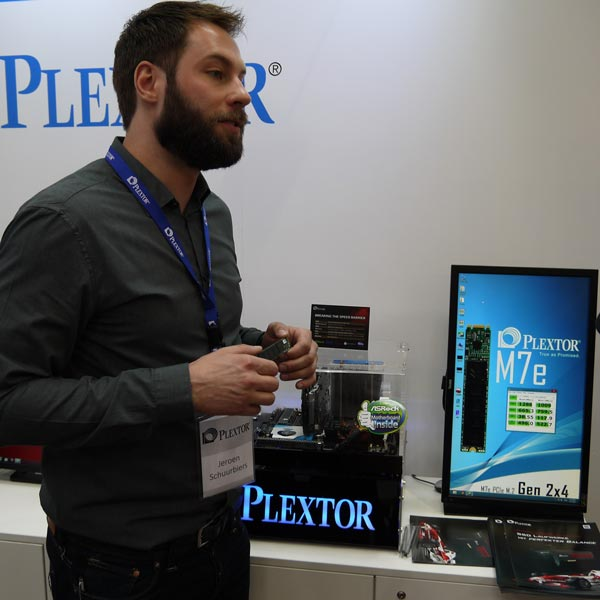 Компания Plextor показала на выставке CeBIT 2015 твердотельный накопитель M7e