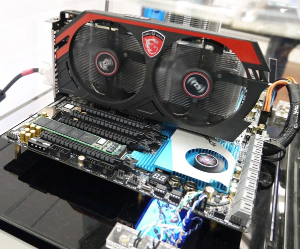 ��������� SSD Plextor M7e �� ����� ������������� ������������ � ����� ������� ��������