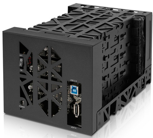К компьютеру Icy Dock Black Vortex MB174U3S-4SB подключается по USB 3.0 или eSATA