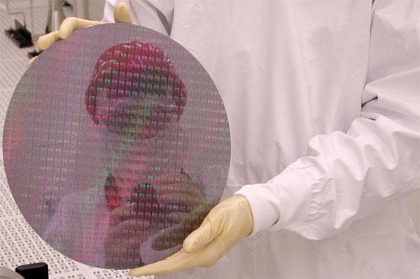 В настоящее время Samsung выпускает продукцию по 14-нанометровому техпроцессу FinFET на четырех фабриках