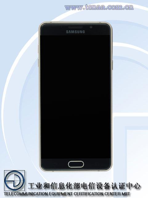 Смартфон Samsung Galaxy A7 образца 2016 года (SM-A7100) оснащен дисплеем OLED размером 5,5 дюйма по диагонали