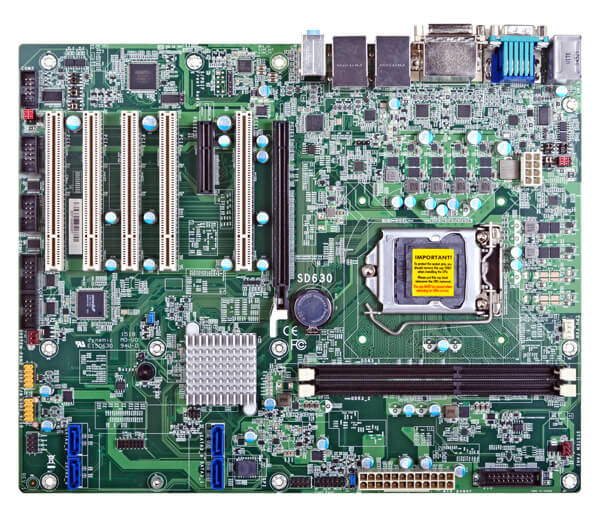 Системная плата DFI SD630-H110 располагает шестью портами COM