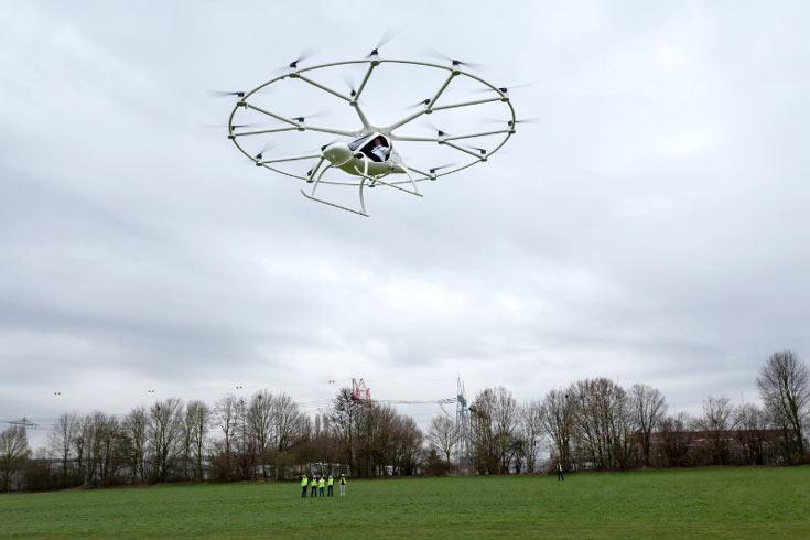 Вертолет-мультикоптер Volocopter совершил 1-ый пилотируемый полет
