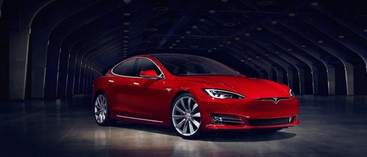 Tesla обновила электромобиль Model S