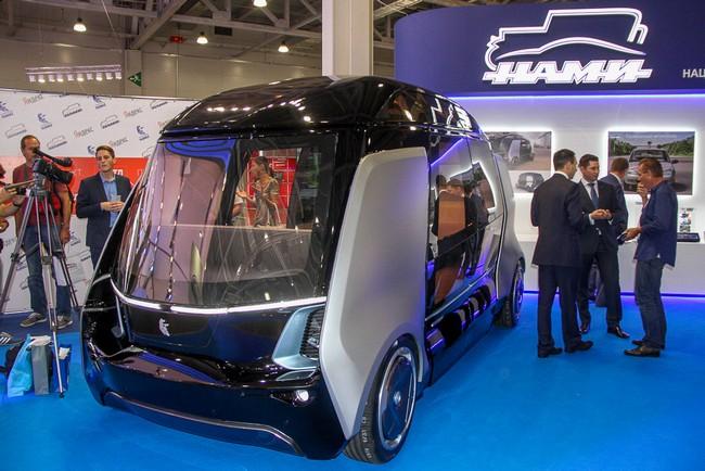 «КамАЗ» продемонстрировал наМосковском автомобильное шоу проект беспилотного автобуса