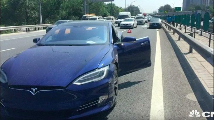 Автопилот Tesla учинил очередное ДТП