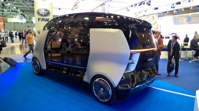 «КамАЗ» продемонстрировал систему беспилотных автобусов «ШАТЛ»