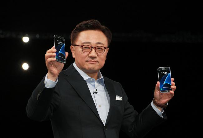 Самсунг Galaxy S8 будет дороже предшественника— Слухи