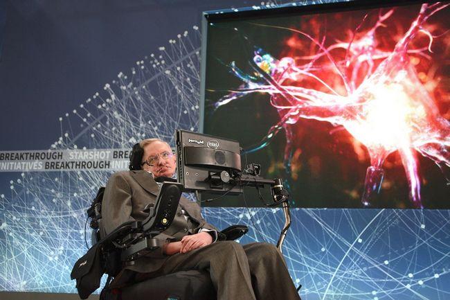 НАСА и Стивен Хокинг продолжают работать над космическим кораблем StarChip, скорость которого составит 1/5 скорости света