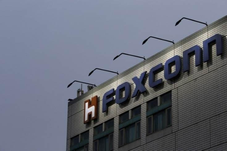 Совместное предприятие Foxconn и Sharp построит в Китае фабрику по выпуску жидкокристаллических панелей