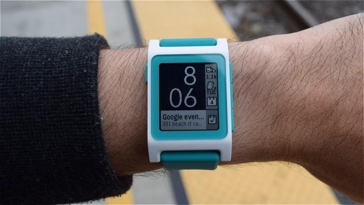 Fitbit не бросит владельцев часов Pebble на произвол судьбы