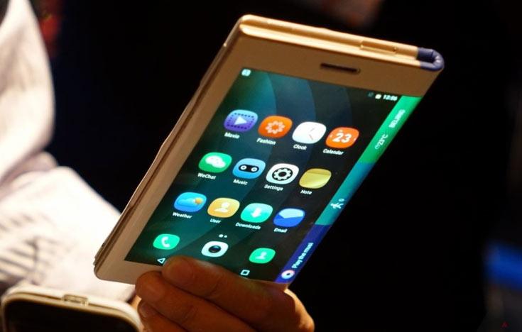 Уже через год смартфоны со складными дисплеями будут выпускаться несколькими компаниями