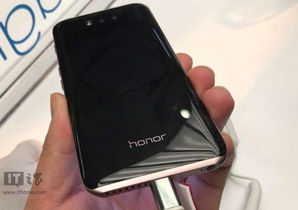 Huawei представили Honor Magic