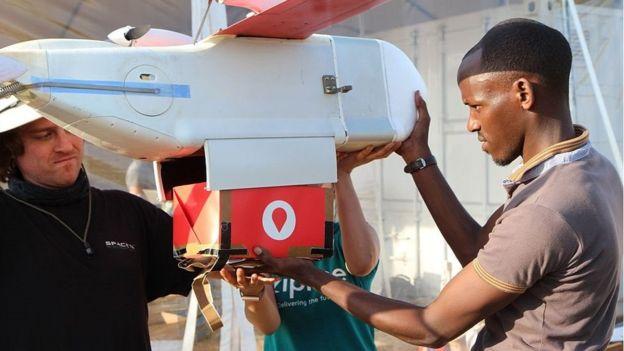 Дроны, запускаемые катапультами, будут доставлять медикаменты и донорскую кровь в Танзании