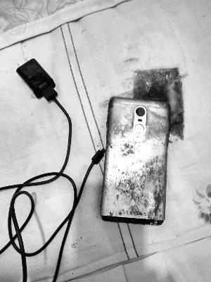 Xiaomi пыталась купить молчание пользователя, чей смартфон загорелся при зарядке