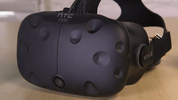 HTC представила шлем Vive Pre, который скрасит ожидание потребительской версии