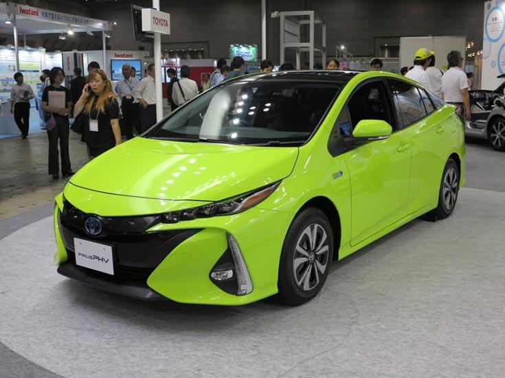 Какой аккумулятор нужно ставить в Toyota Land Cruiser Prado.