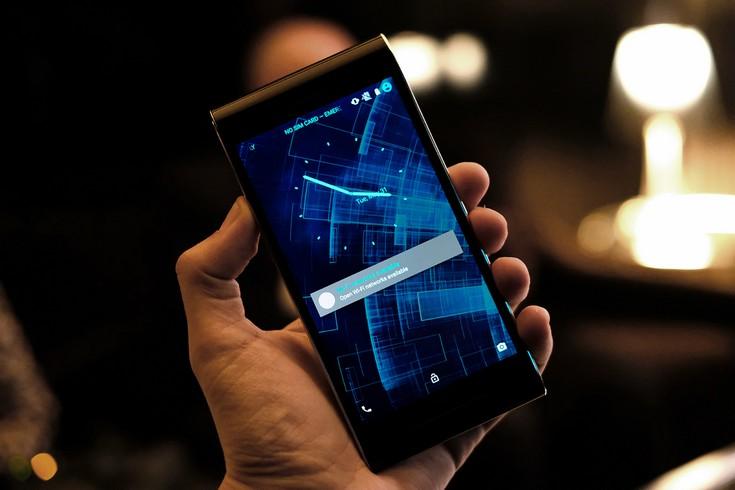 Смартфон Sirin Labs Solarin обойдется дороже многих бюджетных авто