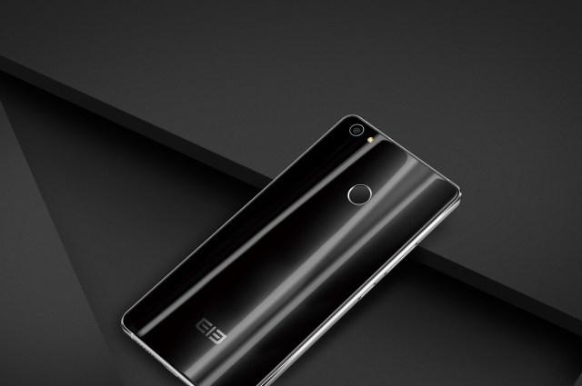 Бюджетный смартфон Elephone H1 получит стеклянное покрытие
