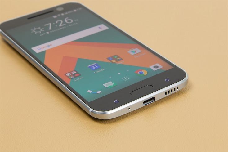 HTC обновит сразу два смартфона до Android 7.0