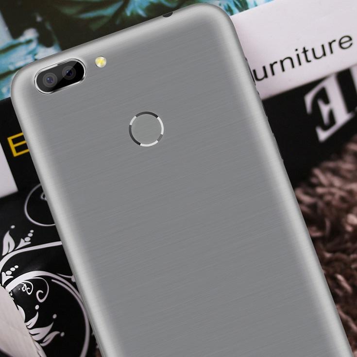 Oukitel поведала о телефоне U20 Plus сдвойной камерой