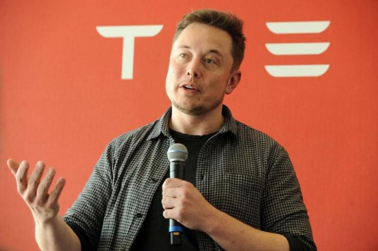 Со 2016-го года клиентам Tesla Motors придется заправляться заденьги