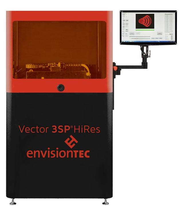 Принтер совместим с расходными материалами ABS Tough, ABS Hi-Impact, E-Glass и E-Tool