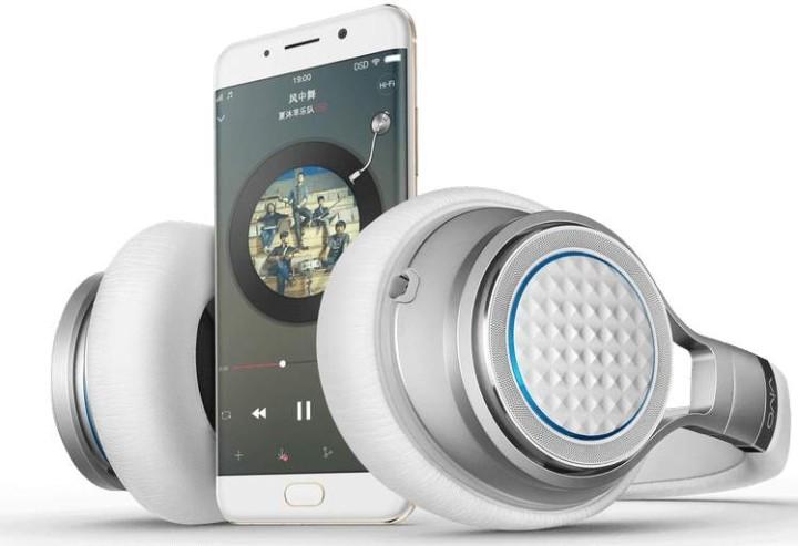 Vivo представила тонкий смартфон XPlay 6 сизогнутым экраном исдвоенной камерой