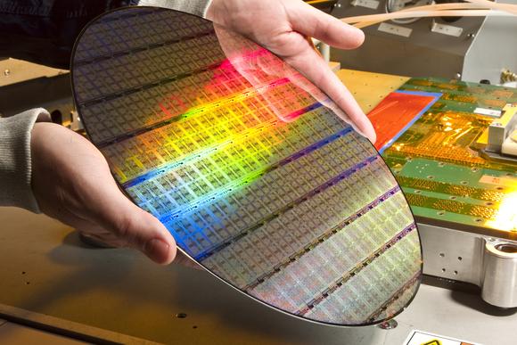 GlobalFoundries пообещала первые 7-нанометровые продукты сначала 2018г