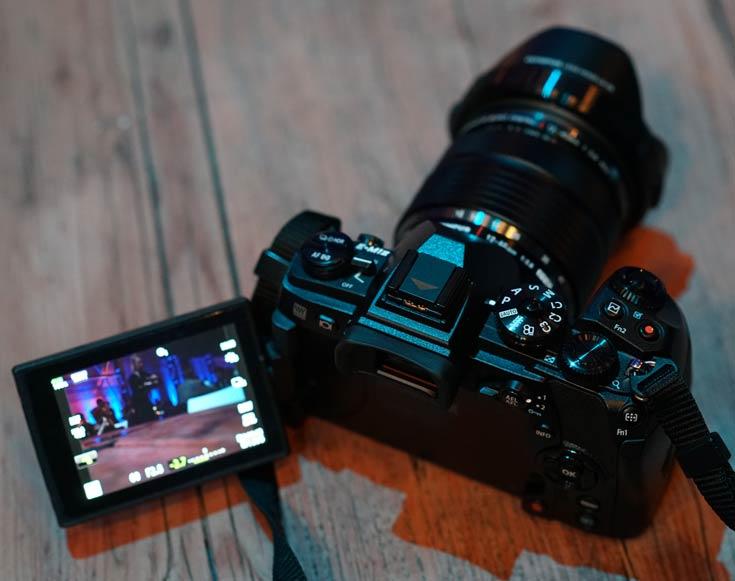 О цене камеры Olympus E-M1 Mark II пока данных нет