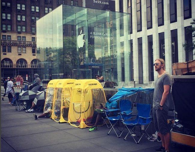 Американцы выстраиваются в очереди за смартфоном iPhone 7
