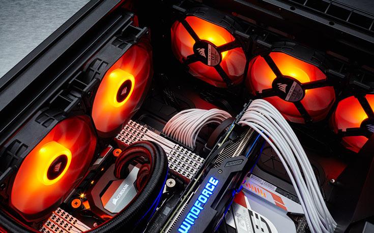 Для управления подсветкой служит программное обеспечение Corsair Utility Engine (CUE) 2