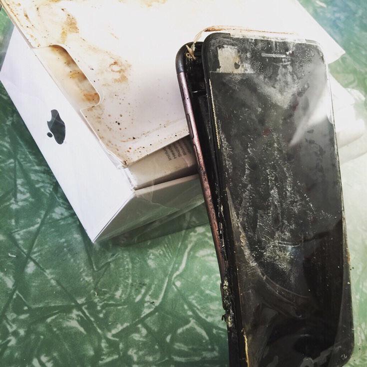 Один из покупателей смартфона Apple iPhone 7 утверждает, что аппарат взорвался во время доставки