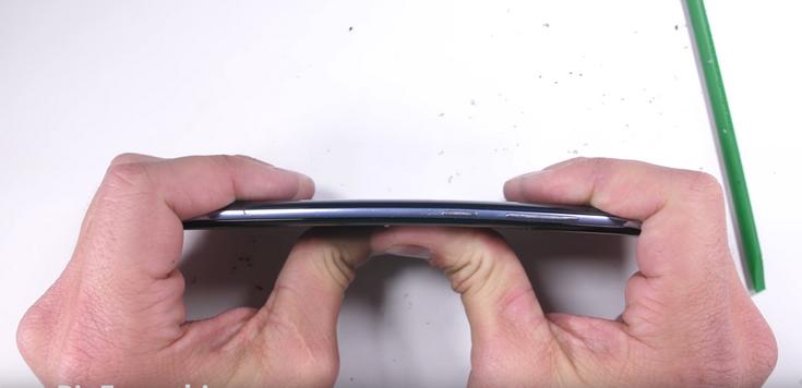 Смартфон Samsung Galaxy S8 протестировал блогер JerryRigEverything